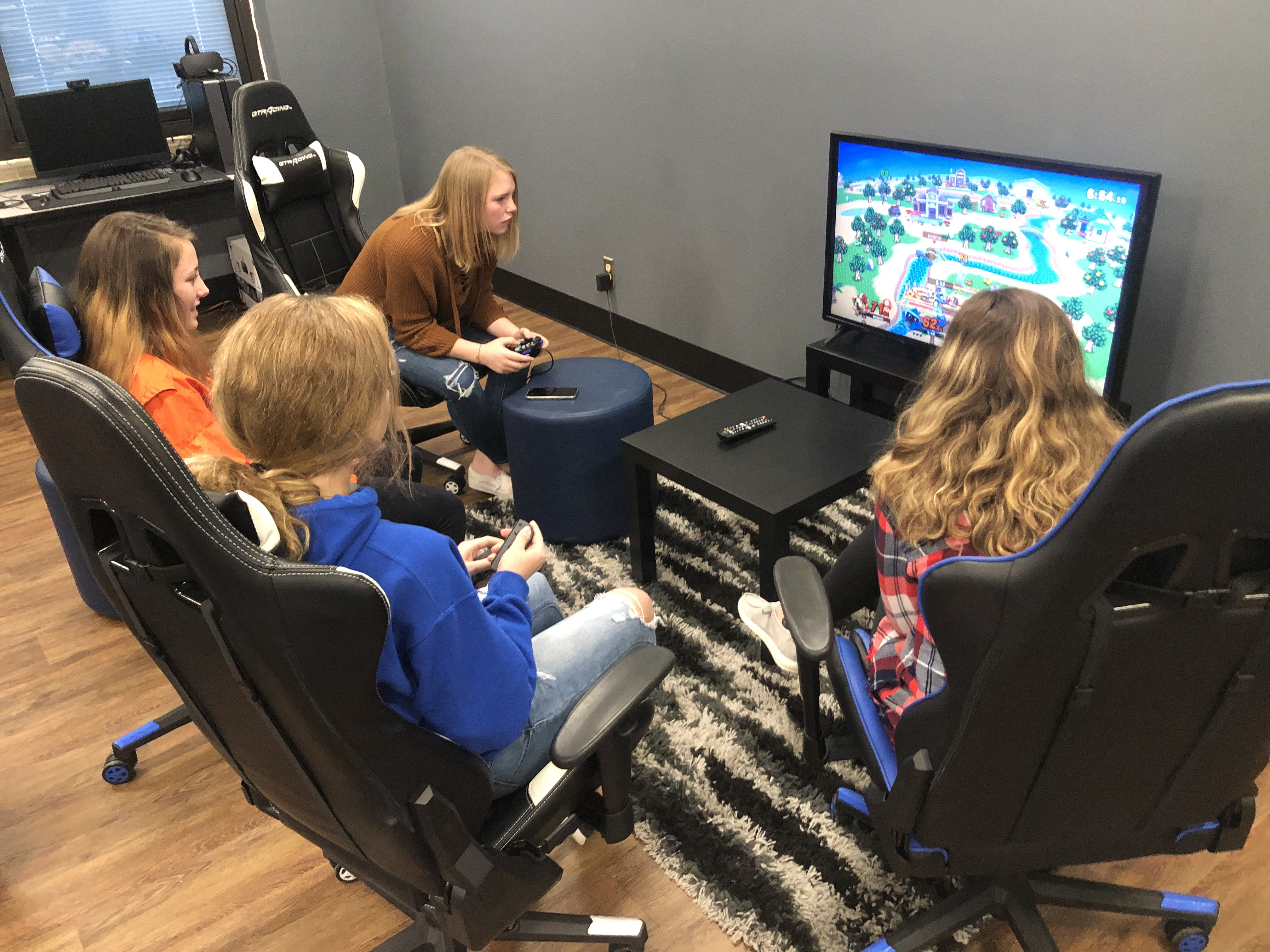 Video games in the classroom, along with an esports curriculum and a competitive team, are teaching students at Tipton High School in Indiana better gaming habits.