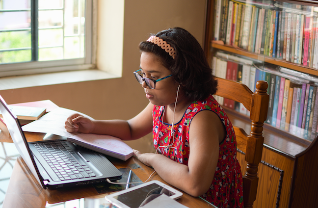 Immigrant-origin students are more likely to succeed in distance learning when assignments draw on students' own experiences but do not require home computers or broadband. (GettyImages/tapasbiswasphotography)