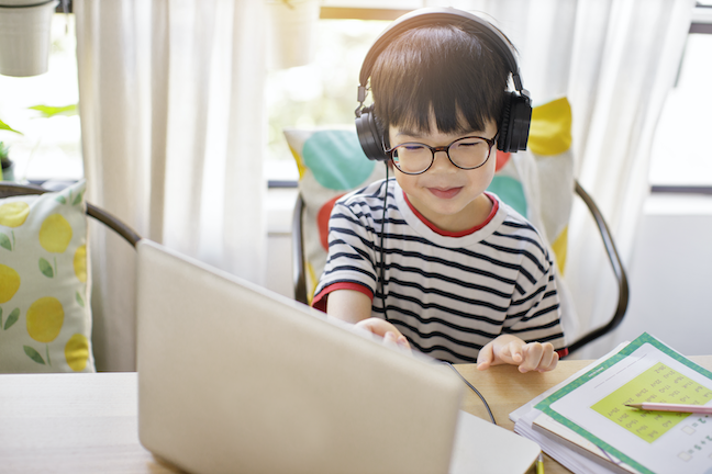 31.9 million students do not have access to the broadband bandwidth needed for digital learning to happen in every classroom, every day, a new report finds. (GettyImages/twomeows)